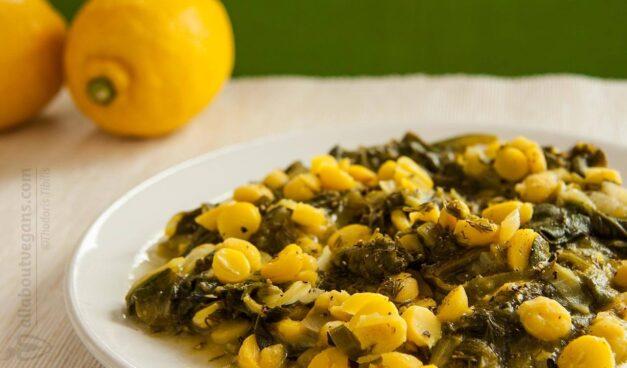 Vegan φρικασέ με ρεβίθια και σπανάκι