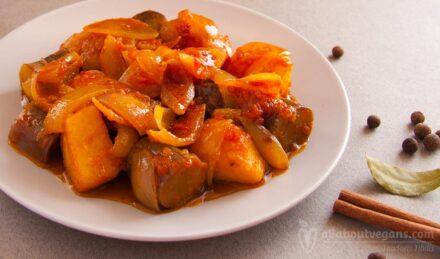 Eggplants and potato stew / stew