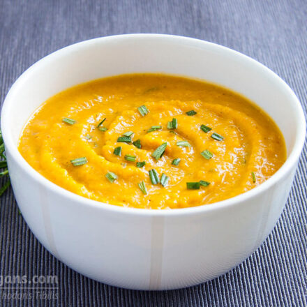 Simple quick and delicious vegan veloute pumpkin soup