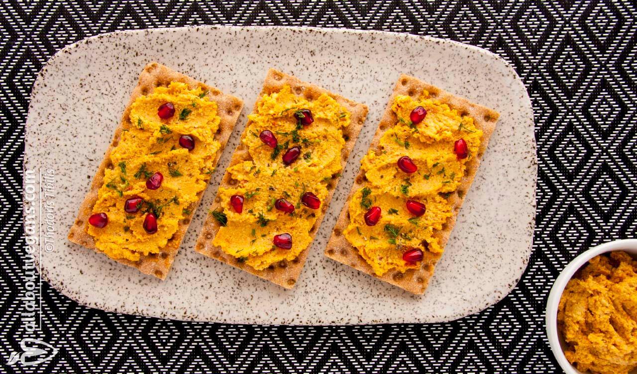 Vegan υποκατάστατο τυριού με κάσιους και λιαστές ντομάτες