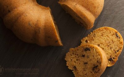 The simplest vanilla cake with olive oil and chocolate chips