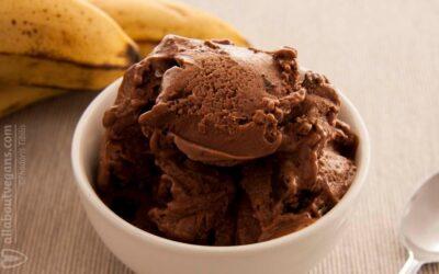 Vegan chocolate ice cream (banana-based)