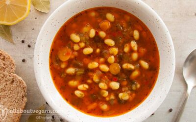 Heartwarming bean soup (vegetarian & vegan)
