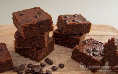 Mouthwatering vegan chocolate brownies with hazelnut butter